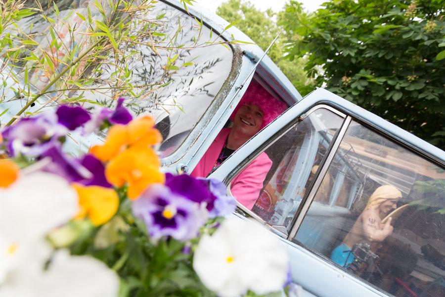 jorplace-hostel-den-haag-minivan